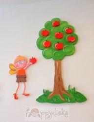 Almát szedő tündérfiú