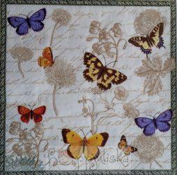 Lepkék, pillangók a szalvétán